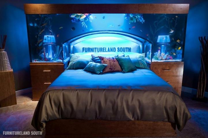 ちょっと羨ましいアクアリウム付きベッドの写真4