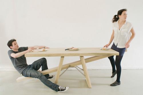 相性ぴったりなカップル向けダイニングテーブルの写真1