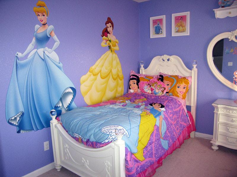 プリンセスにかこまれて過ごす夢のある子供部屋の写真1