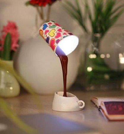 おもしろ。溢れるコーヒー照明の写真1